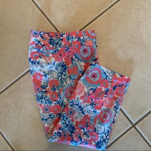 Lilly Pulitzer floral capris size 6 like New